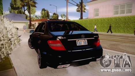 Mercedes-Benz C 63 AMG para la visión correcta GTA San Andreas