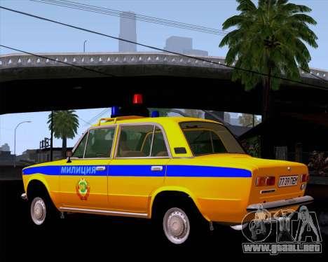 VAZ 21011 policía para GTA San Andreas vista posterior izquierda