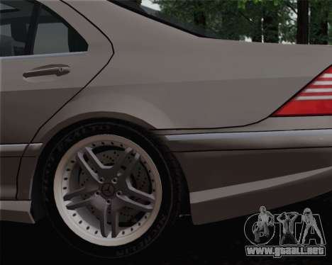 Mercedes-Benz AMG S65 2004 para GTA San Andreas vista posterior izquierda