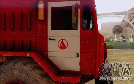 MAZ 535 bombero para la visión correcta GTA San Andreas