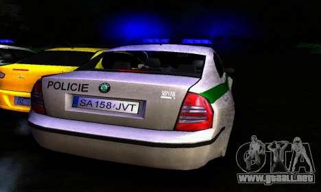 Skoda Superb POLICIE para la visión correcta GTA San Andreas