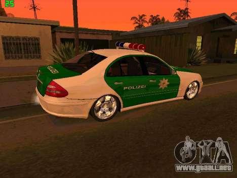Mercedes-Benz  E500 Polizei para GTA San Andreas left