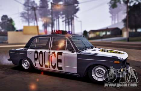 Policía 2106 VAZ para GTA San Andreas vista posterior izquierda