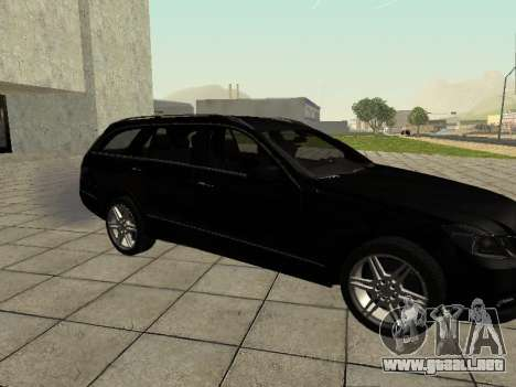 Mercedes-Benz w212 E-class Estate para GTA San Andreas vista posterior izquierda