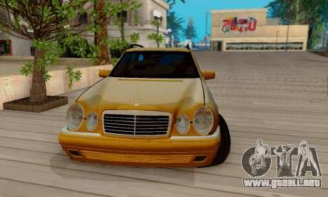 Mercedes-Benz E320 Wagon para visión interna GTA San Andreas