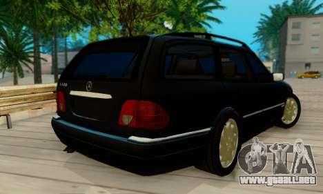 Mercedes-Benz E320 Wagon para GTA San Andreas vista posterior izquierda