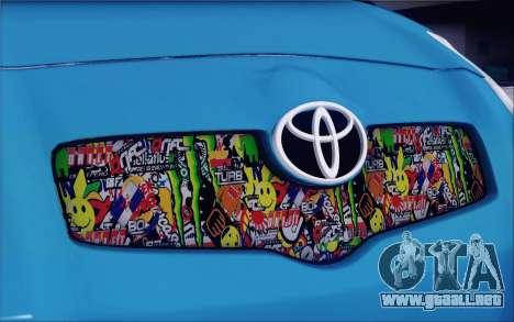 Toyota Yaris Hellaflush Young Child para vista lateral GTA San Andreas