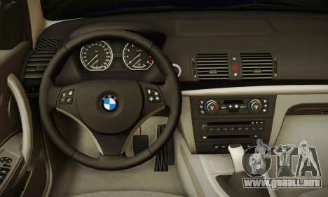 BMW 120i SE Carabinieri para GTA San Andreas vista hacia atrás