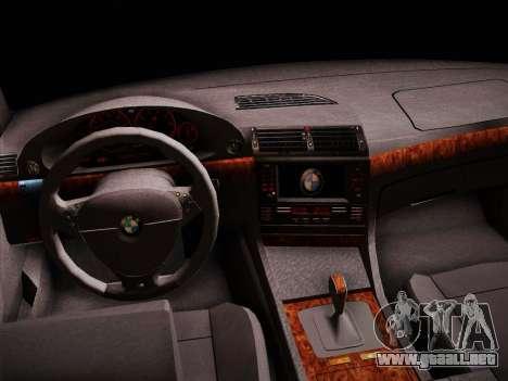 BMW 730d E38 1999 para GTA San Andreas vista hacia atrás