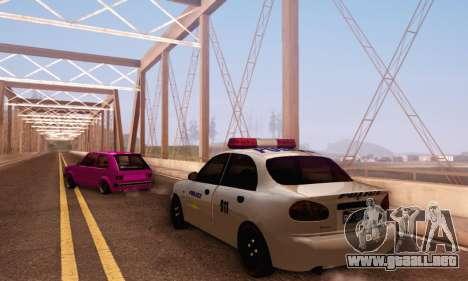 Daewoo Lanos Police para GTA San Andreas vista posterior izquierda