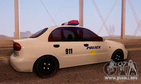 Daewoo Lanos Police para la visión correcta GTA San Andreas