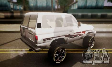 Toyota Land Cruiser LC 70 para GTA San Andreas left
