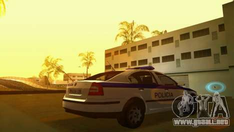 Skoda Octavia Albanian Police Car para GTA Vice City left