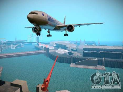 Boeing 777-223ER American Silver Bullet para GTA San Andreas left