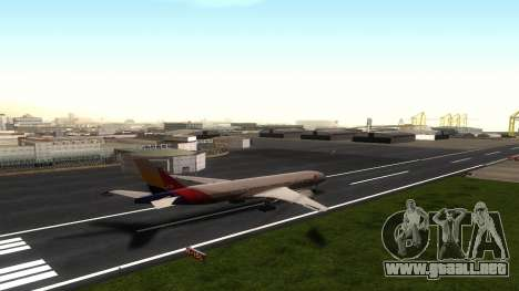 Boeing 777-280ER Asiana Airlines para GTA San Andreas vista hacia atrás
