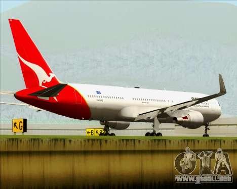 Boeing 767-300ER Qantas para GTA San Andreas vista posterior izquierda