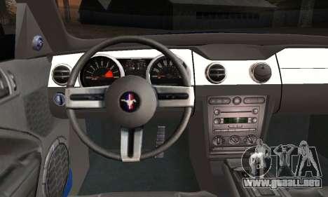 Ford Mustang GT 2005 v2.0 para GTA San Andreas vista posterior izquierda