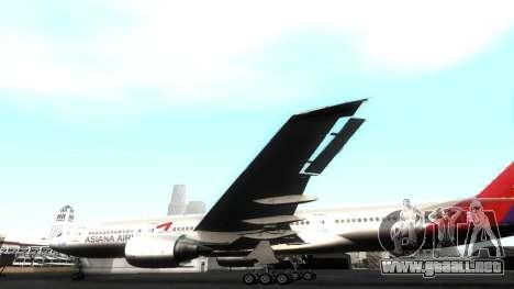 Boeing 777-280ER Asiana Airlines para vista lateral GTA San Andreas