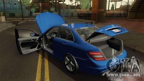 Mercedes-Benz C63 AMG Sedan 2012 para GTA San Andreas vista hacia atrás