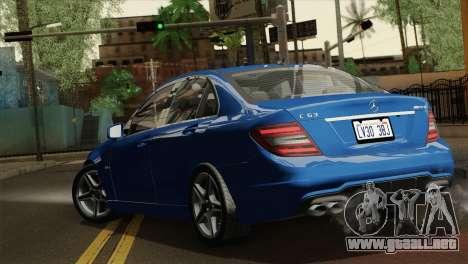 Mercedes-Benz C63 AMG Sedan 2012 para GTA San Andreas left