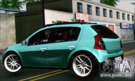 Dacia Sandero XIC para GTA San Andreas left