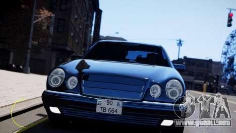 Mercedes-Benz E55 AMG para GTA 4 left