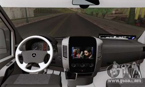 Mercedes-Benz Sprinter Etiket Kamyonet para GTA San Andreas vista posterior izquierda