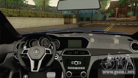 Mercedes-Benz C63 AMG Sedan 2012 para GTA San Andreas vista posterior izquierda