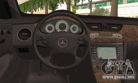 Mercedes-Benz CLS 500 para GTA San Andreas vista posterior izquierda