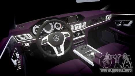 Mercedes-Benz E200 Vossen VVS CV5 para GTA 4 vista interior
