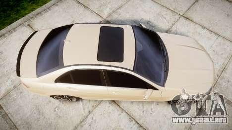 Mercedes-Benz C63 AMG 2010 para GTA 4 visión correcta