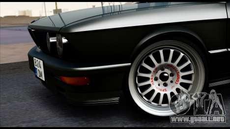 BMW M5 E28 Christmas Edition para GTA San Andreas vista posterior izquierda