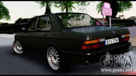 BMW M5 E28 Christmas Edition para GTA San Andreas left