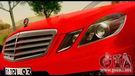 Mercedes-Benz E250 para la visión correcta GTA San Andreas