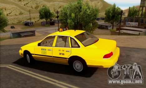 Ford Crown Victoria NY Taxi para GTA San Andreas vista hacia atrás
