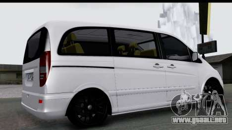 Mercedes-Benz Viano 2010 para GTA San Andreas left
