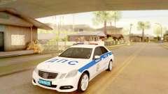 Mercedes-Benz E500 ДПС