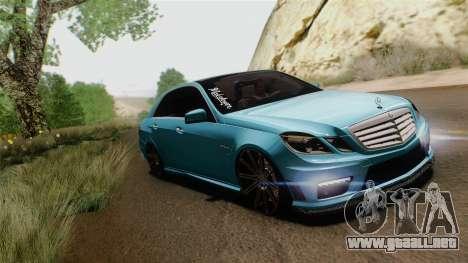Mercedes-Benz E63 AMG 2010 Vossen wheels para GTA San Andreas vista posterior izquierda