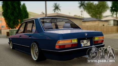BMW M5 E28 para GTA San Andreas left