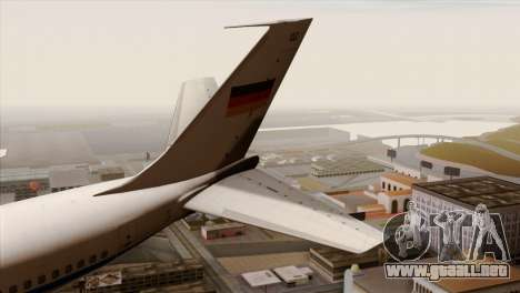 Boeing 707-300 Luftwaffe para GTA San Andreas vista posterior izquierda