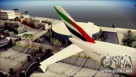 Airbus A380-800 Fly Emirates Airline para GTA San Andreas vista posterior izquierda