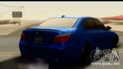 BMW M5 E60 Stanced para GTA San Andreas left