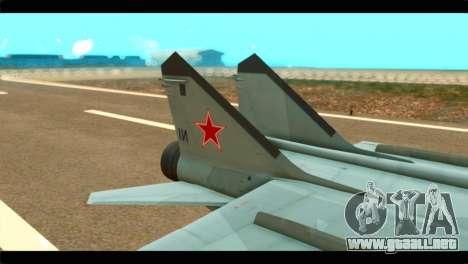 MIG-31 Soviet para GTA San Andreas vista posterior izquierda