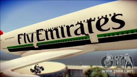 Airbus A380-800 Fly Emirates Airline para GTA San Andreas vista hacia atrás