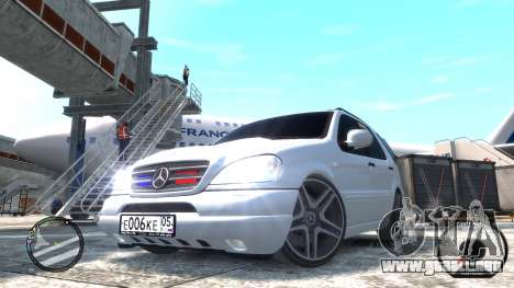 Mercedes-Benz ML 55 AMG para GTA 4 Vista posterior izquierda