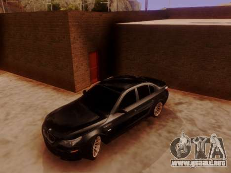 BMW M5 E60 para GTA San Andreas left