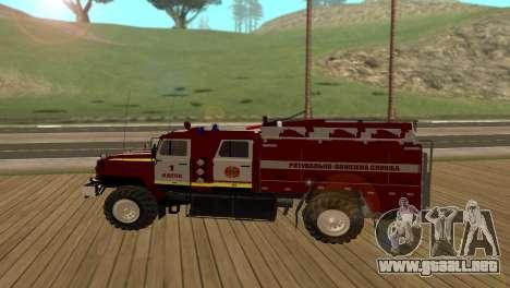 Ural 5557-40 el Ministerio de situaciones de eme para GTA San Andreas left