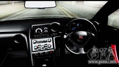 Nissan GT-R R35 2012 para la visión correcta GTA San Andreas