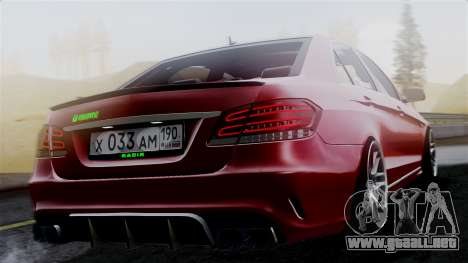 Mercedes-Benz W212 E63 AMG para GTA San Andreas left