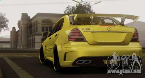 Mercedes-Benz E63 Qart Tuning para GTA San Andreas vista hacia atrás